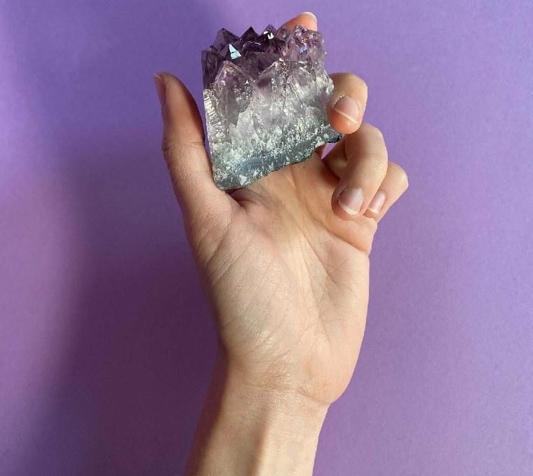 piedras preciosas-ametista-alivia-estres