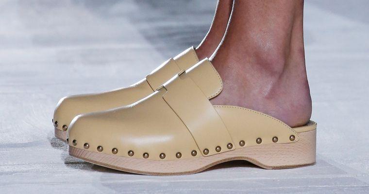 zapatos de mujer zuecos tendencia