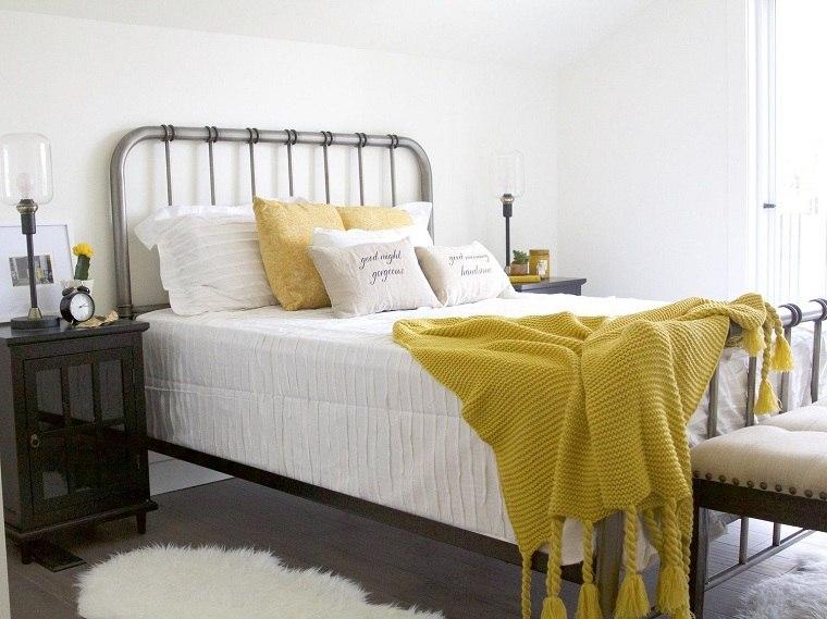 Color del año 2021 usar-ropa-cama