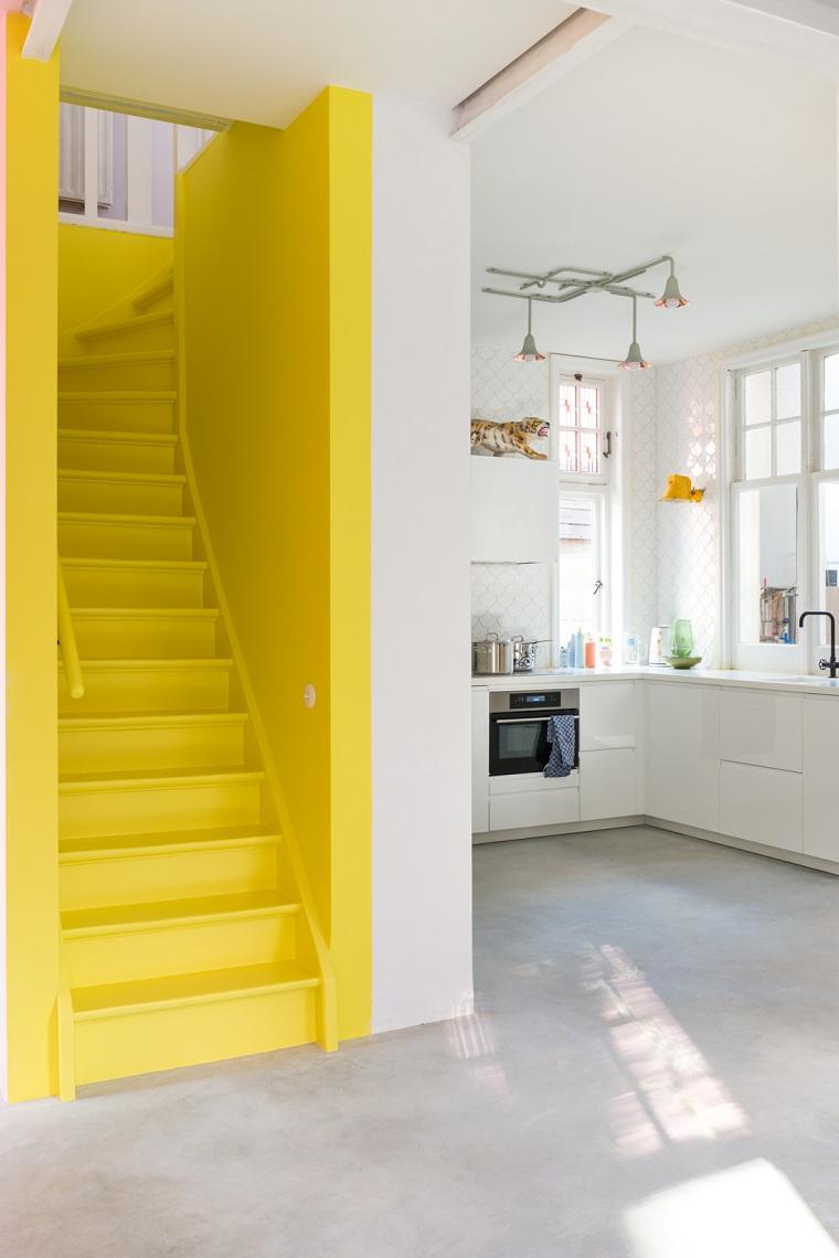 color-gris-amarillo-interiores-diseno