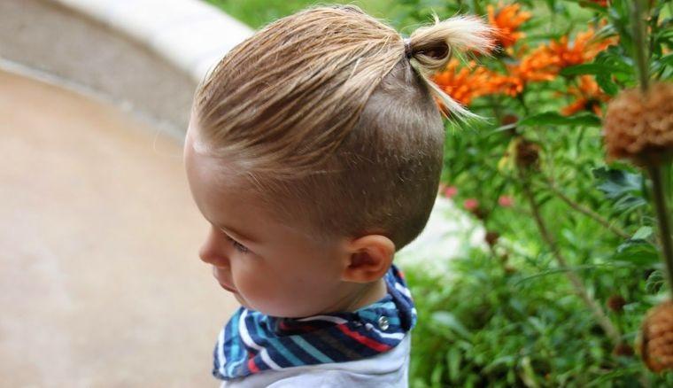 cortes de cabello largo con moño