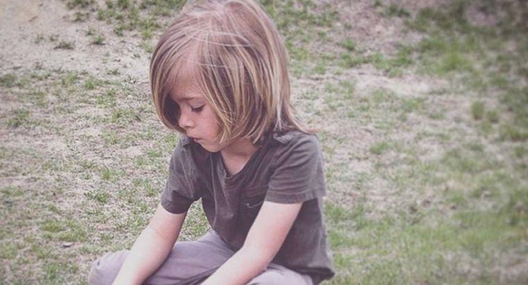 cortes de cabello largo para niños pequeños