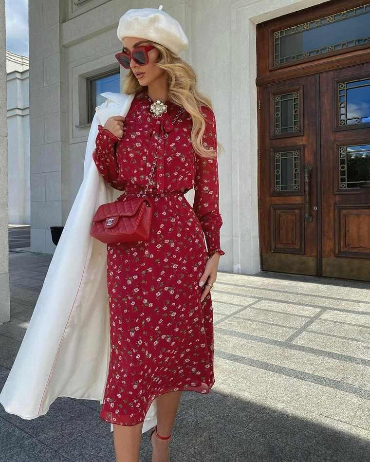 estampados de moda-primavera-2021-vestido-rojo