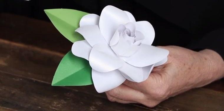 flores de papel gardenia