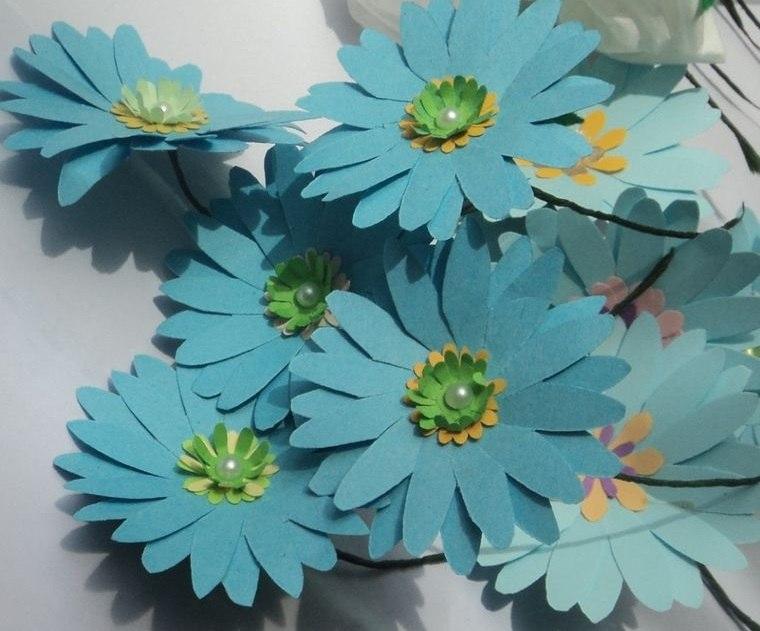 flores de papel margaritas azules