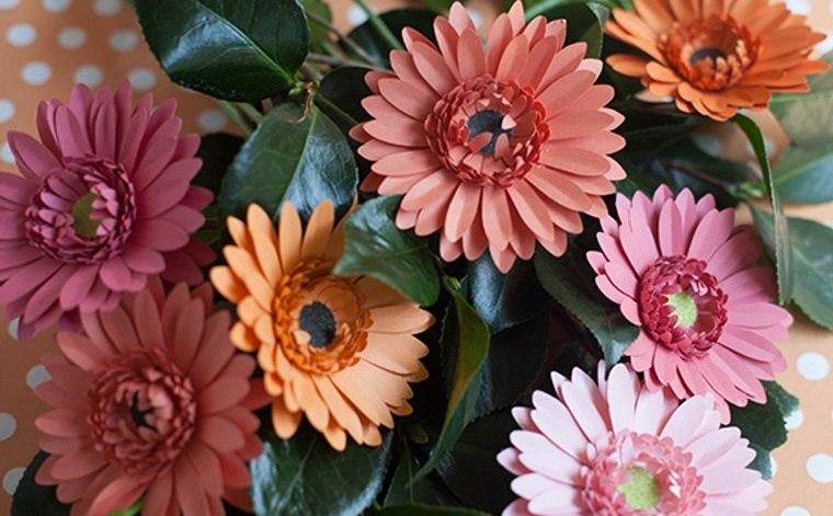 flores de papel margaritas de colores