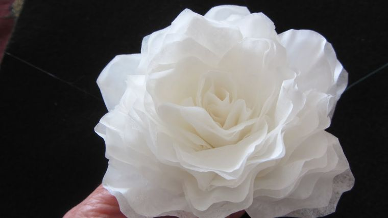 flores de papel rosa con filtro cafe