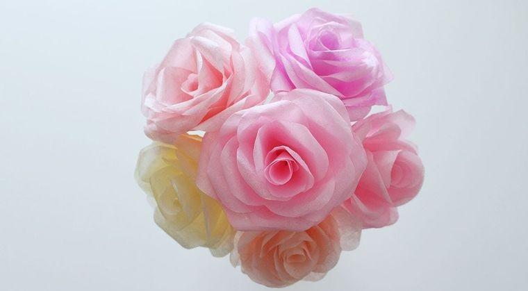 flores de papel rosas