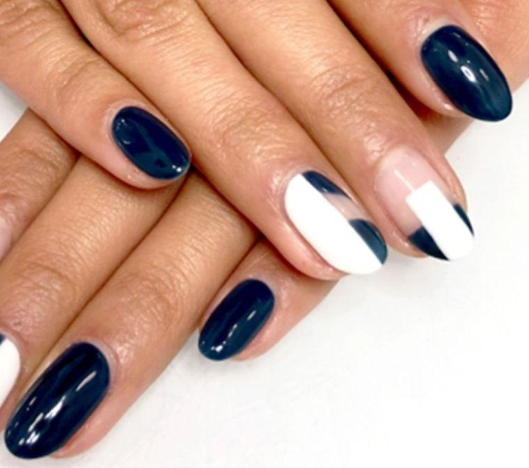 manicura en forma ovalada dos colores