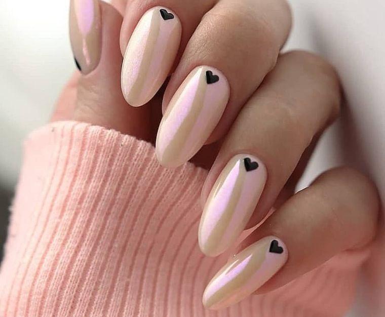 manicura en forma ovalada rosa bebe