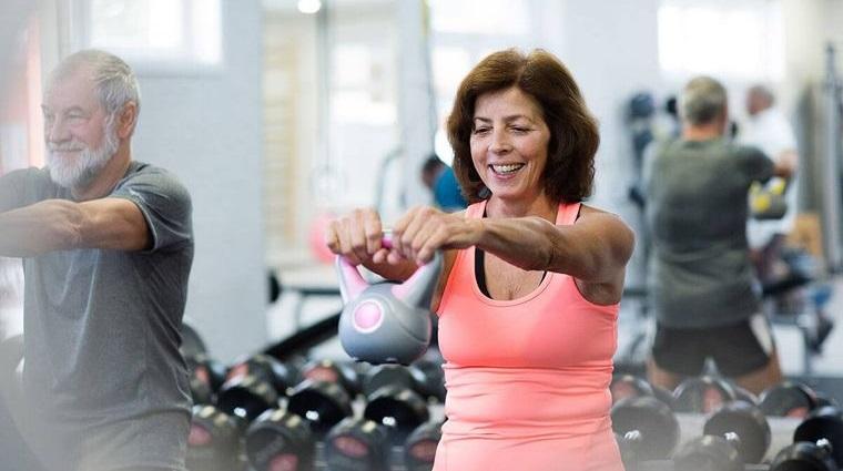 mayores de 50 disminuye grasa corporal