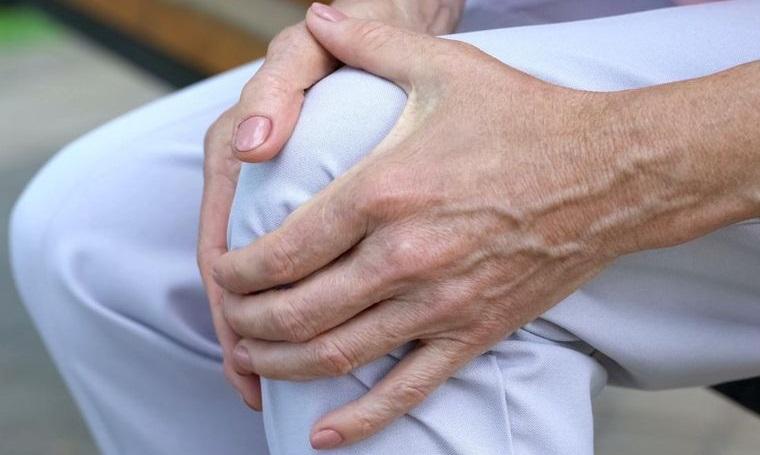mayores de 50 huesos articulaciones