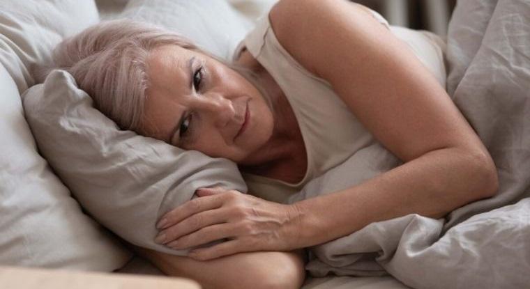 mayores de 50 patrones de sueño