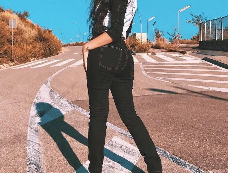 mezclilla jeans teñido de negro