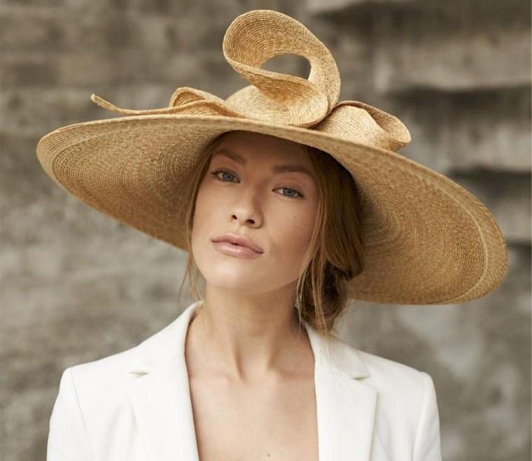 sombreros de mujer rueda de carro