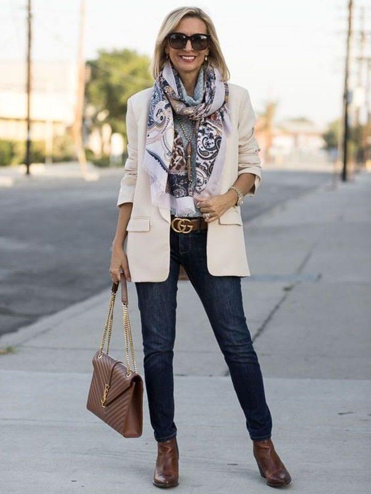 vestimenta diaria casual con blazer