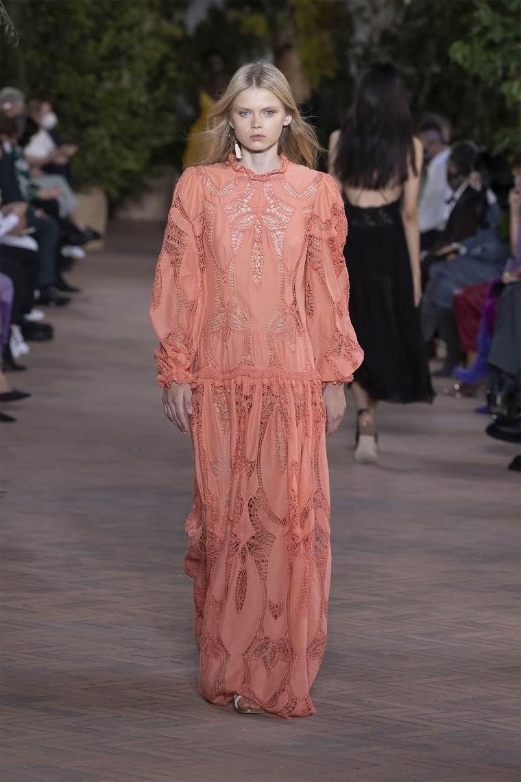 Albera-Ferretti-diseno-vestido-2021