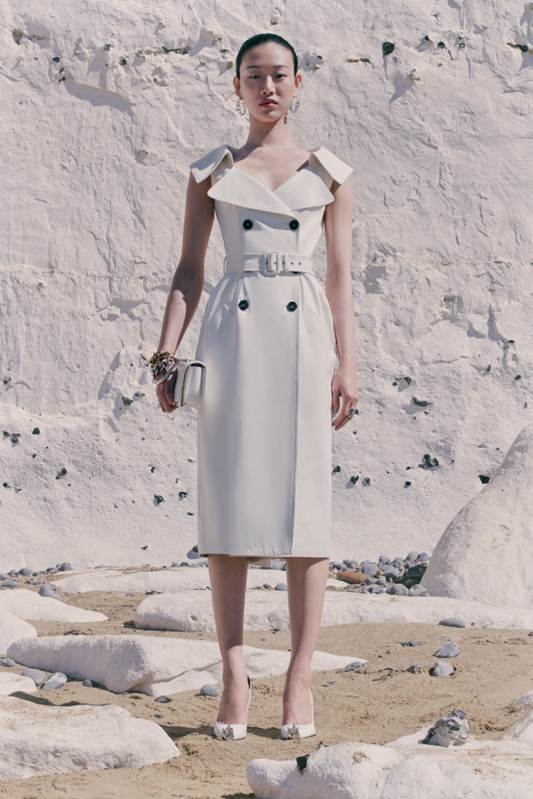 Alexander-McQueen-vestido-ideas-2021
