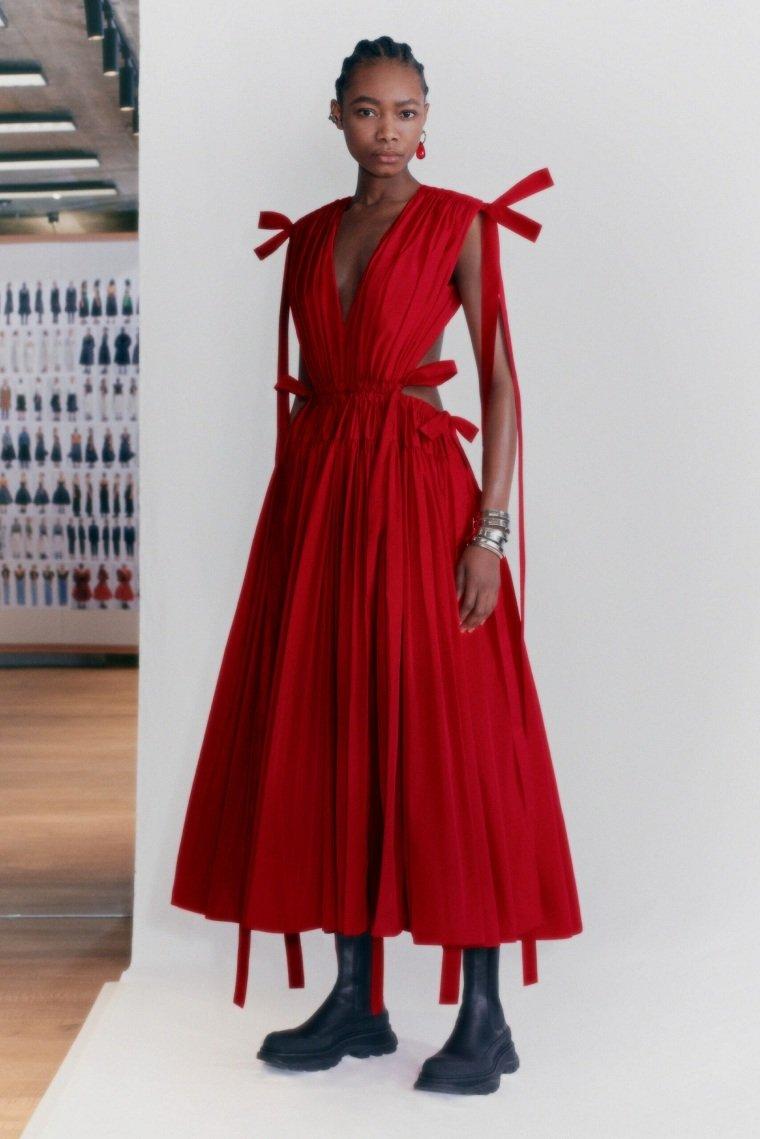 Alexander-McQueen-vestido-rojo-ideas