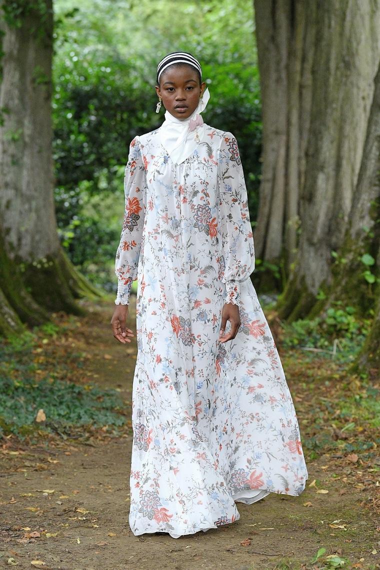 Erdem-semana-moda-londres-2021-flores-estampa