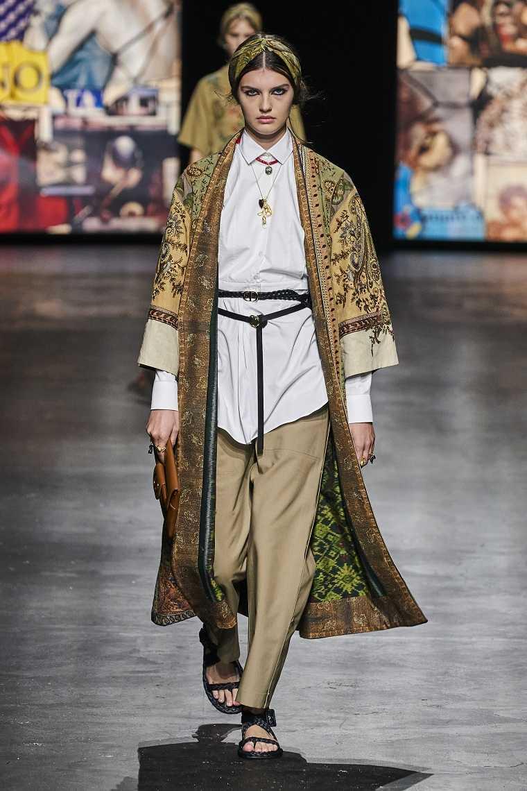 Ropa-de-moda-de-mujer-2021-dior-diseno