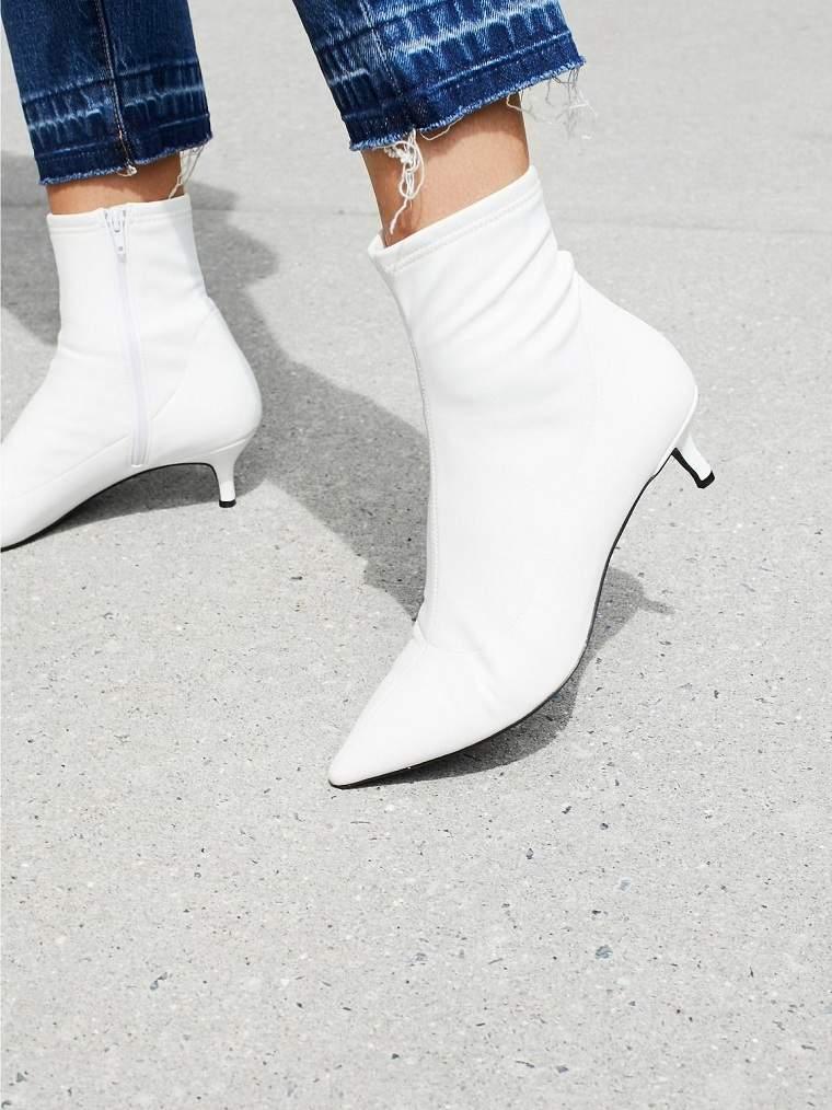 Zapatos 2021-botas-blancas