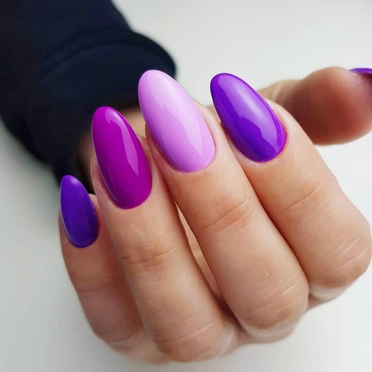 colores-manicura-unas-2021-purpura-tonalidades