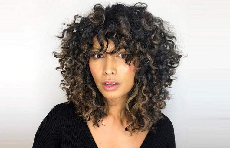 cortes-de-pelo-2021-ideas-cabello-rizado