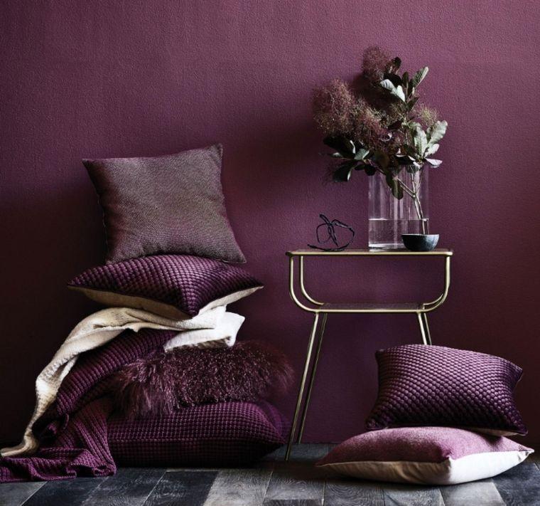 decoración de interiores color morado