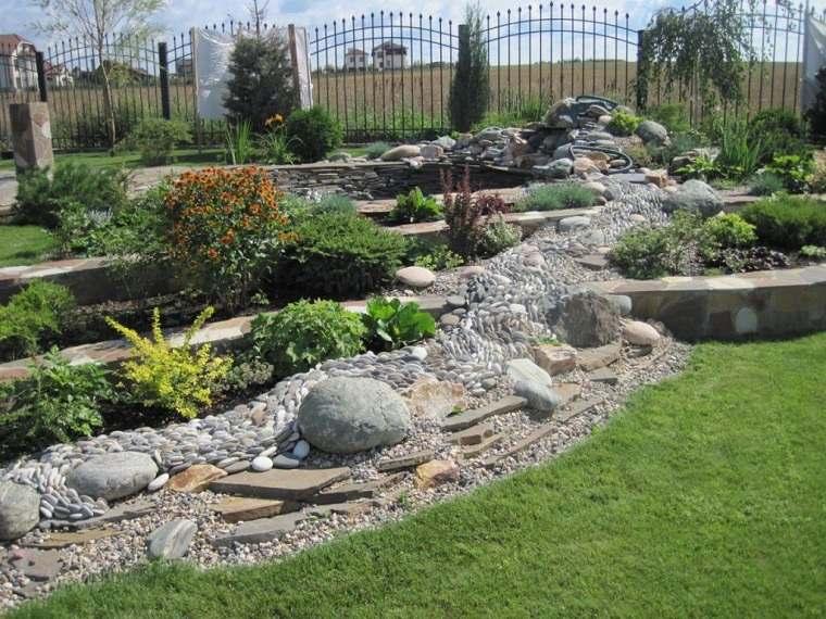 jardin-cesped-piedras-ideas-2021