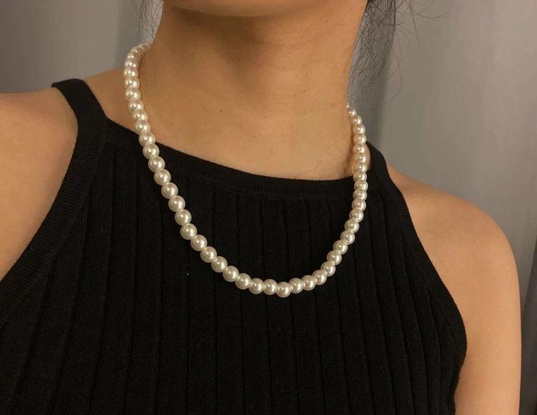 joyería con clasicas perlas
