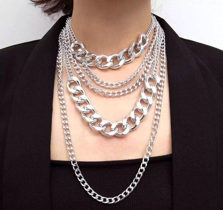 joyería femenina diversos collares