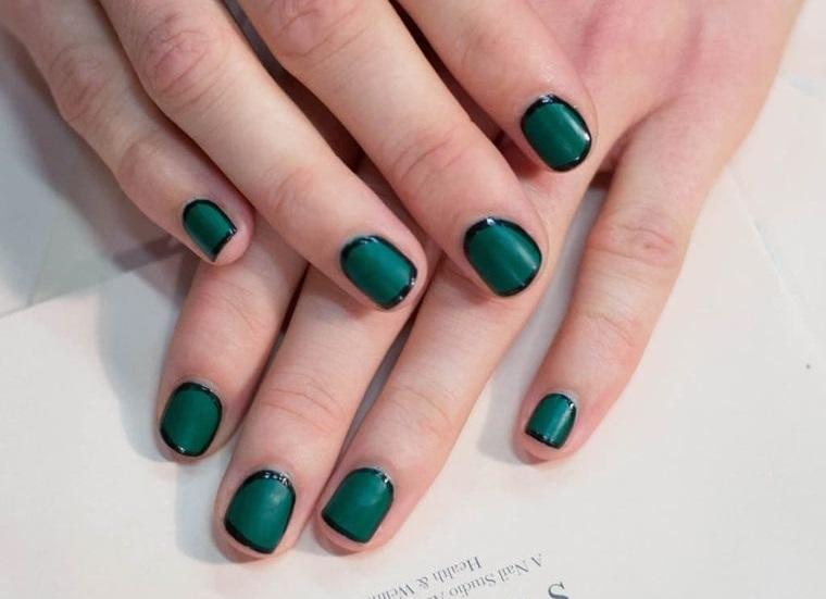 manicura elegante en verde