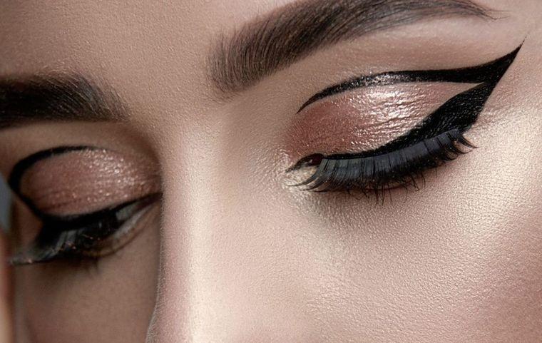 maquillaje delineado grafico