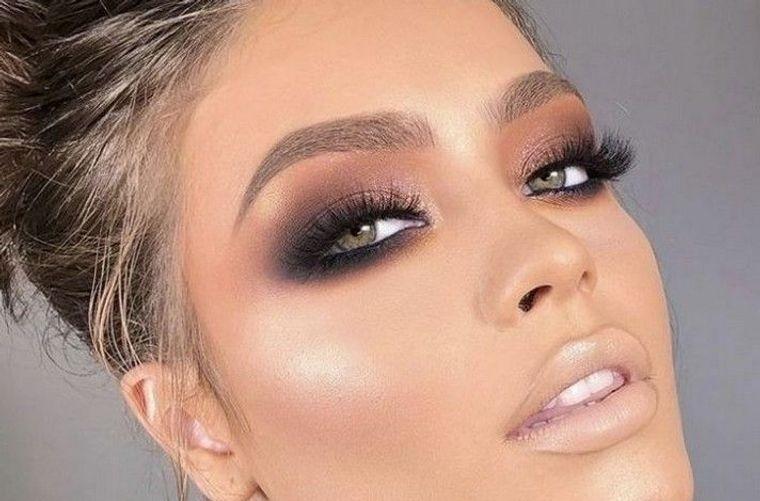maquillaje delineador ahumado
