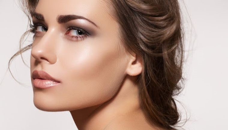 maquillaje iluminador