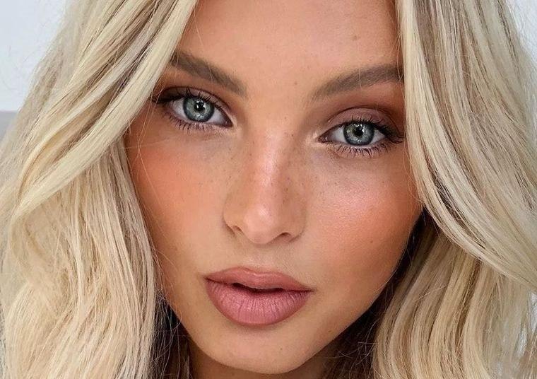 maquillaje mejillas sonrojadas