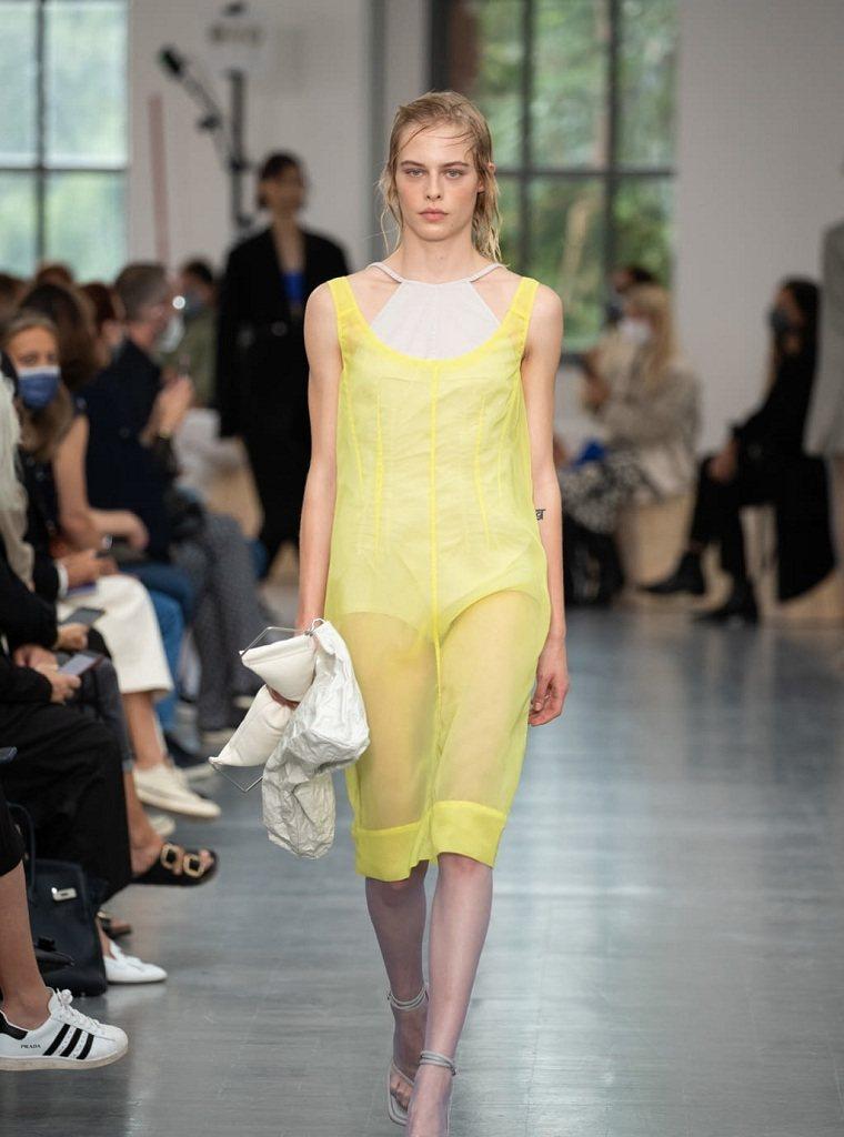 moda-primavera-verano-2021-Sportmax