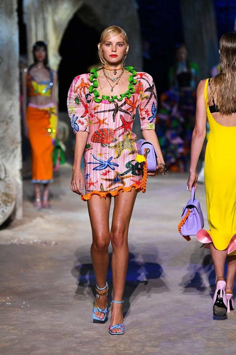 Moda primavera verano 2021-Versace
