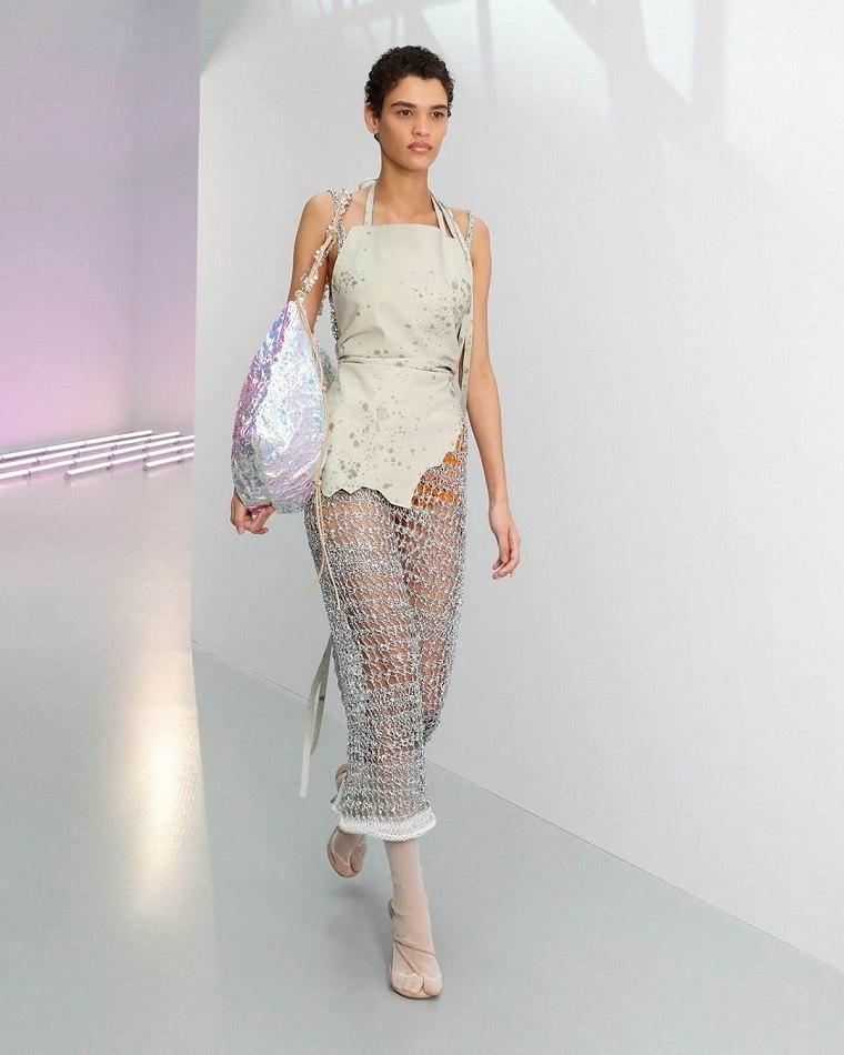 moda-primavera-verano-2021-acne