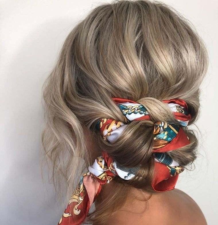 peinados para verano moño con pañuelo