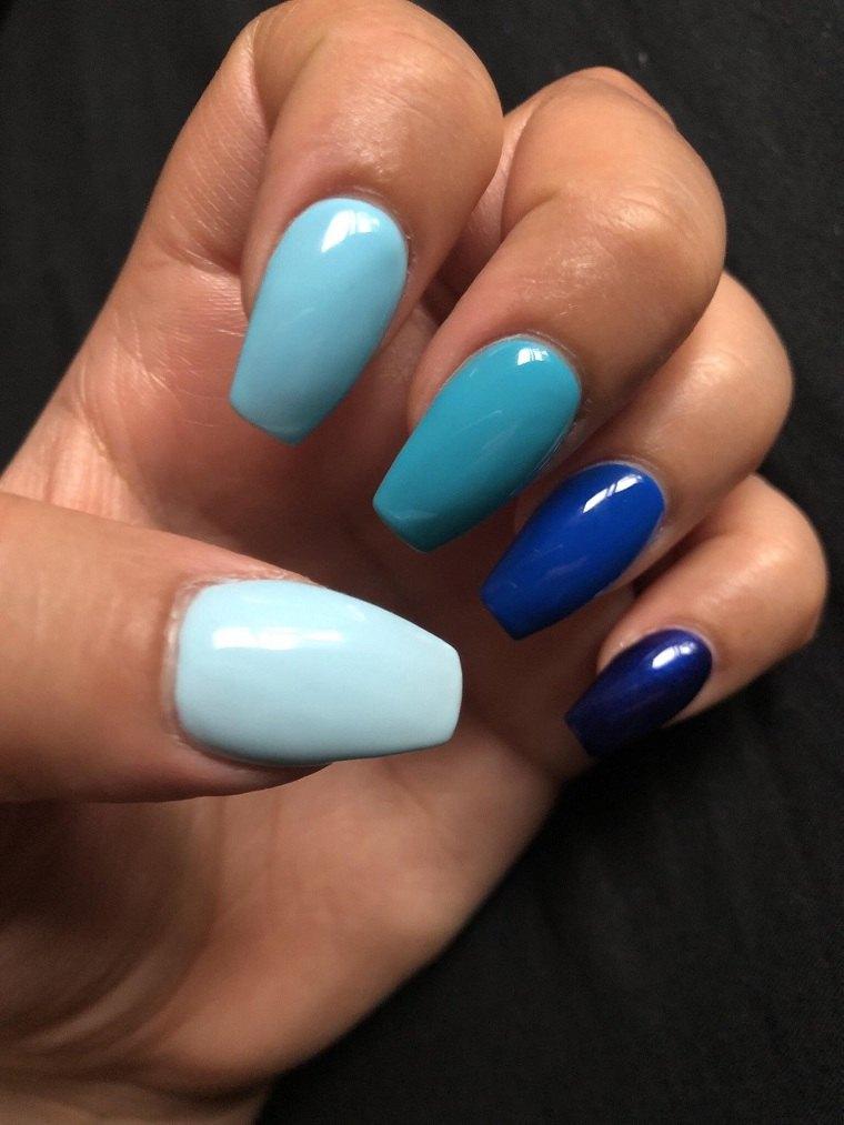 unas-para-verano-2021-tonalidades-azul-ideas