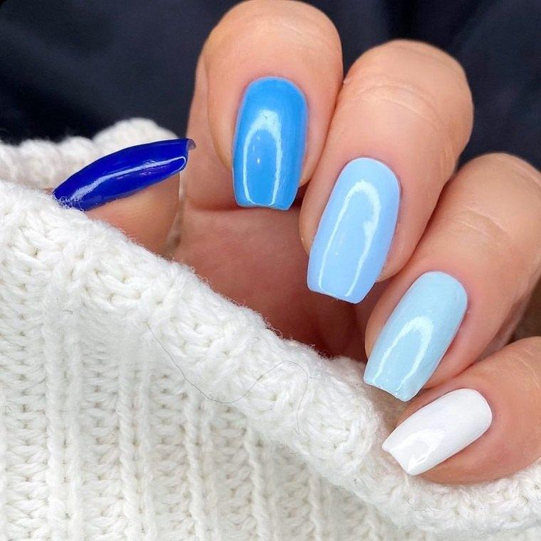 unas-para-verano-2021-tonalidades-azul