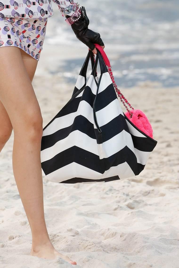 Chanel-blanvo-negro-bolso