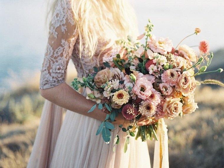 bodas-2021-novia-ramo-ideas