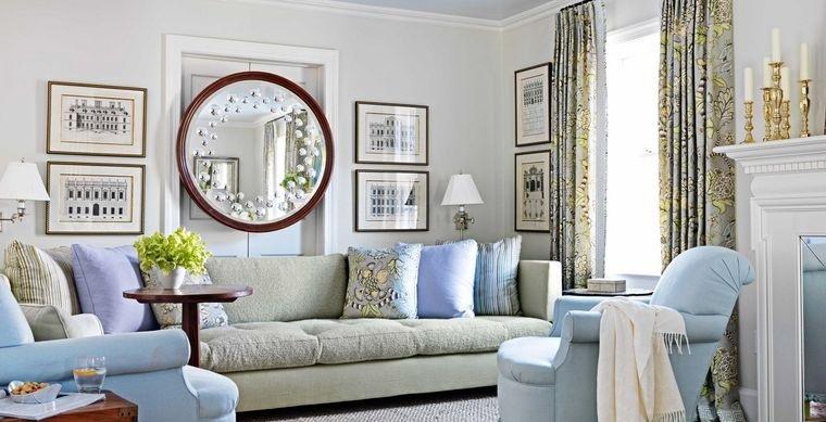 decoración con espejos en pequeña sala de estar