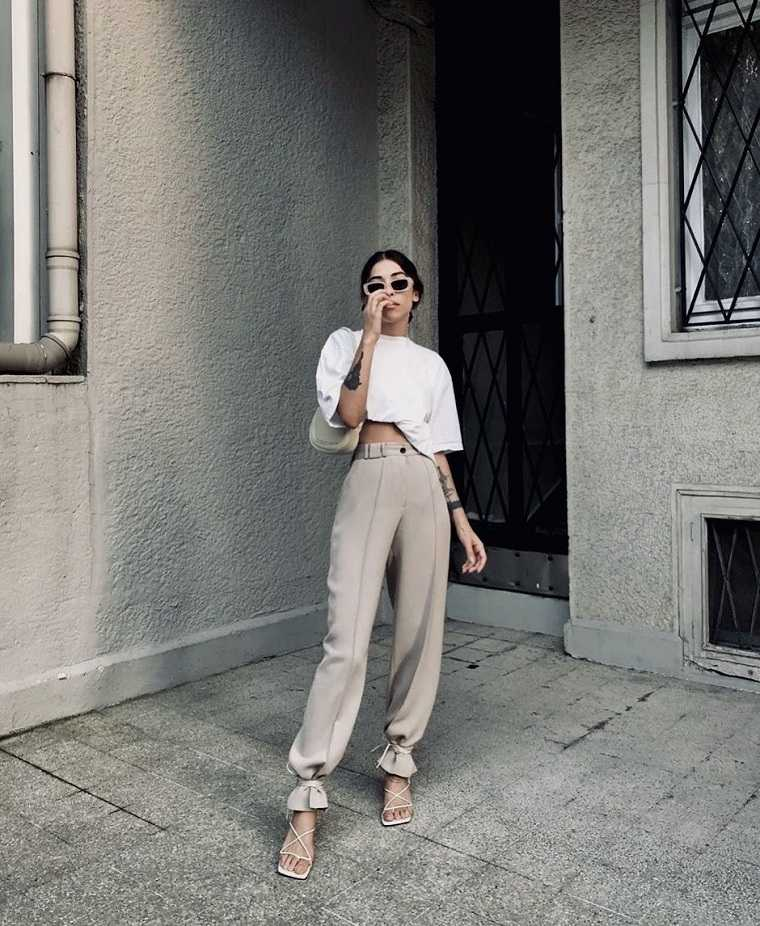 estilo urbano-2021-tendencias-blusa-blanca