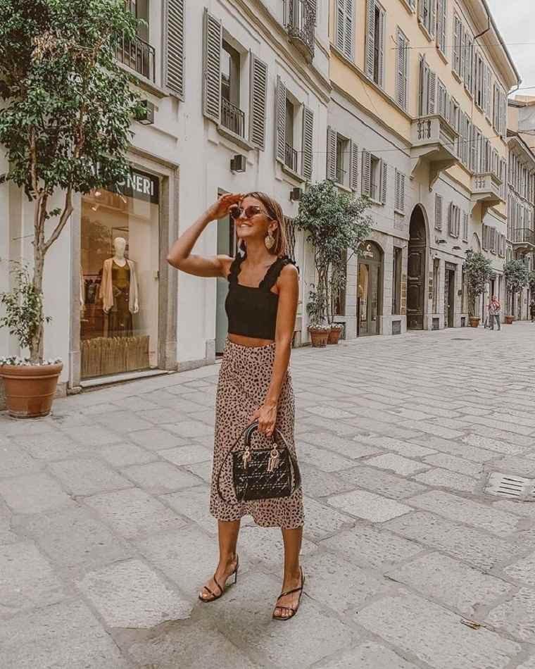 estilo-urbano-2021-tendencias-falda-midi