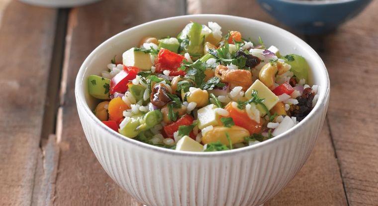 frutos secos ensalada arroz anacardos con verduras