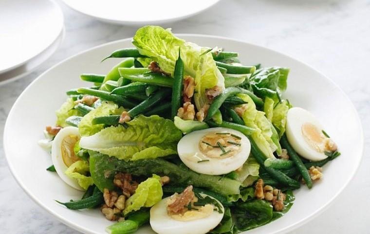 frutos secos ensalada huevo nueces con verduras